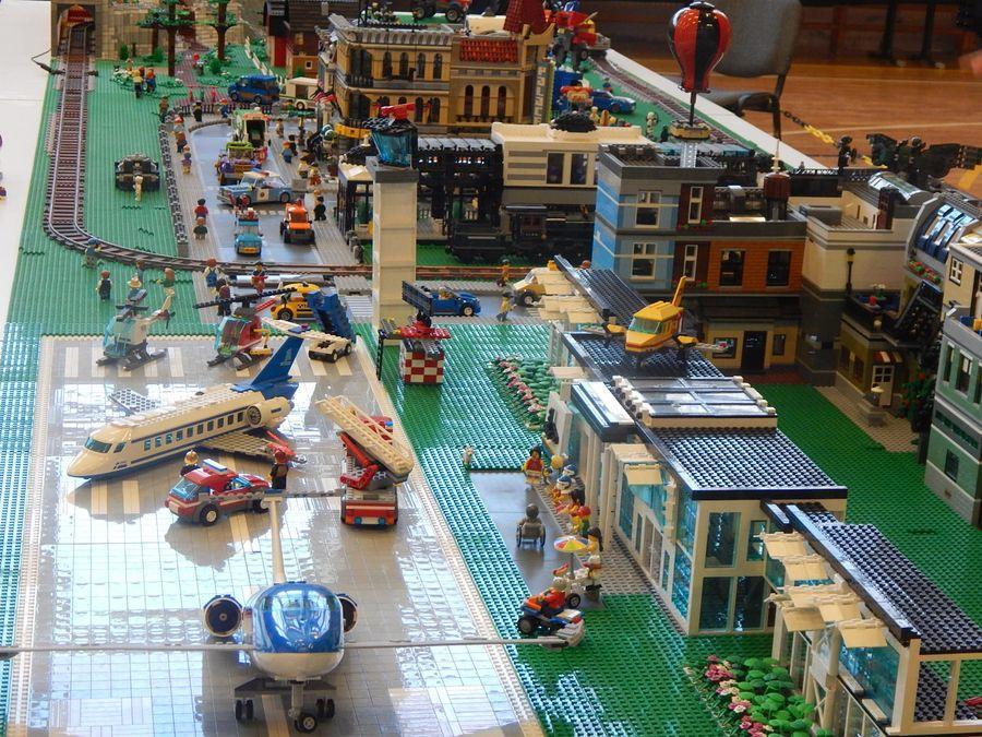 Lego-kockanapok