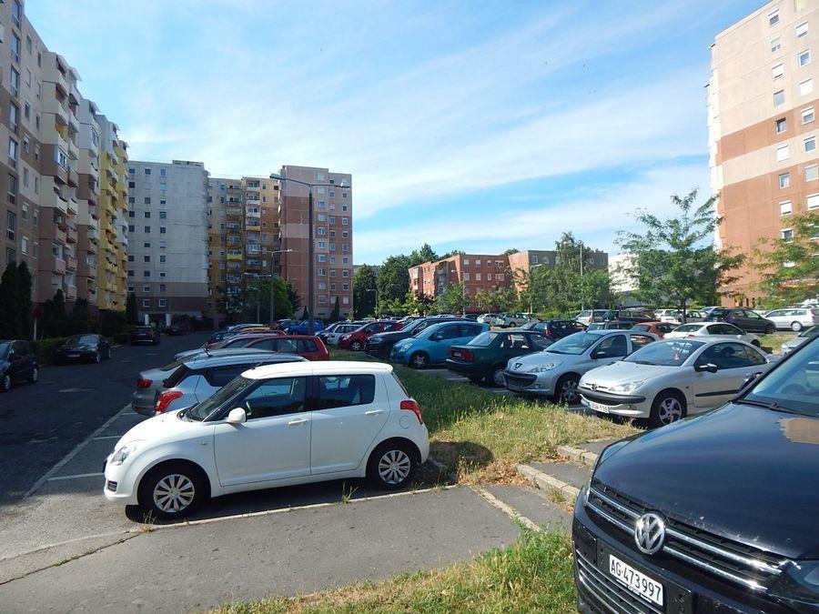 Parkolás